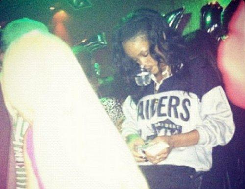 Rihanna-strip-club-pic