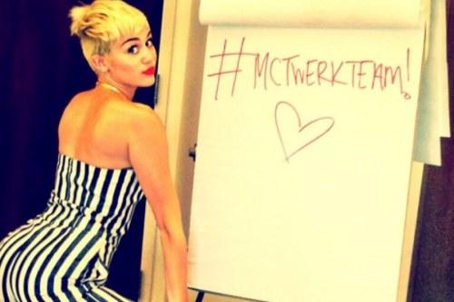 Miley-Cyrus-Twerking-900-600