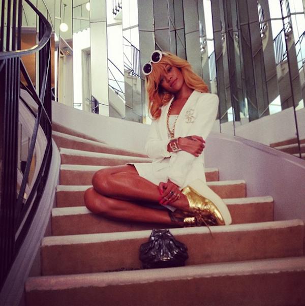 Rihanna-instagram-15