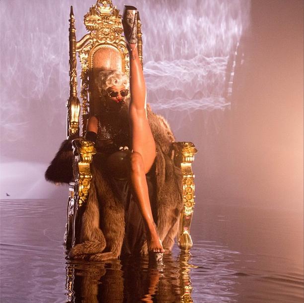 Rihanna-instagram-2