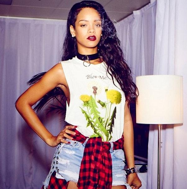 Rihanna-instagram-22 (1)
