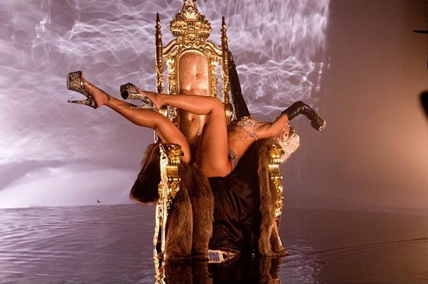Rihanna-instagram-3
