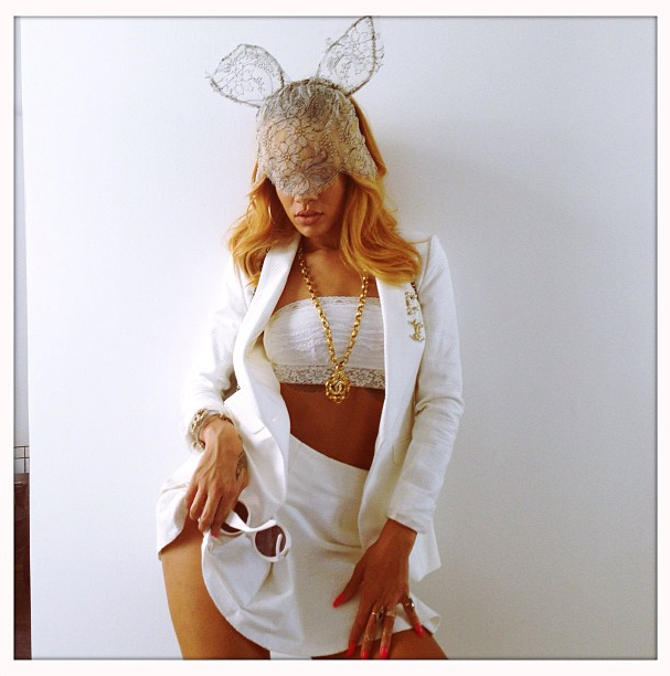 Rihanna-instagram-7