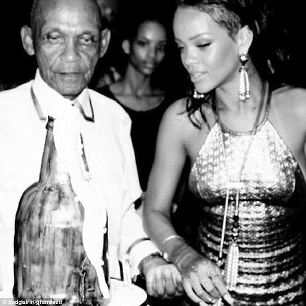 Rihanna-grandfather-birthday-bash-5